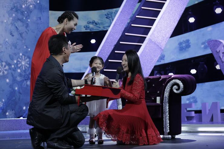 杨钰莹参与北京卫视访谈节目《大戏看北京》录制