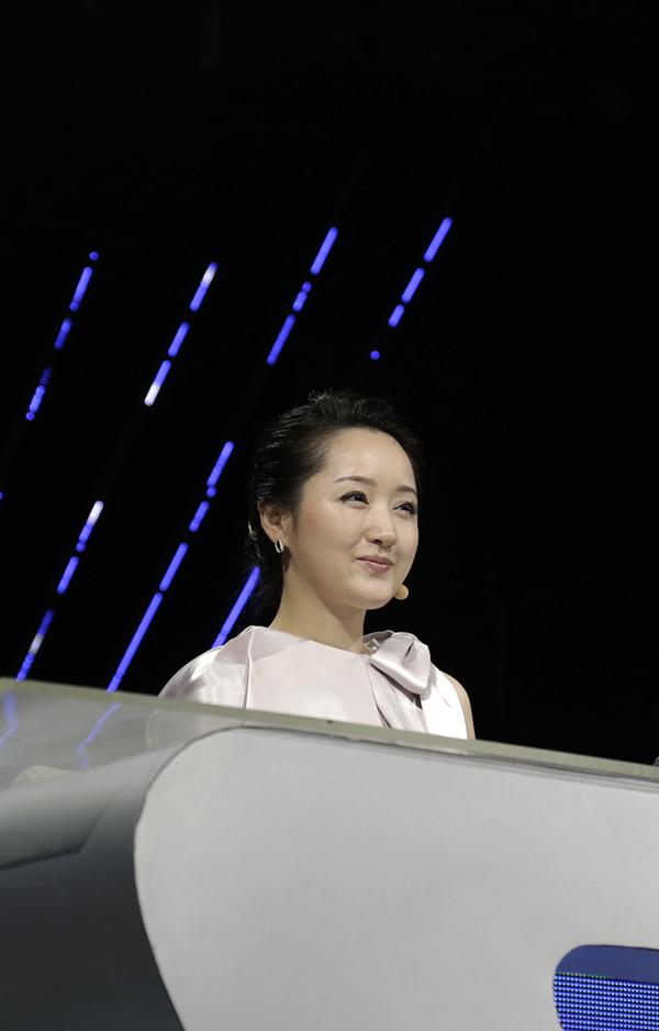 2013年9月20日湖南卫视《奇舞飞扬》节目录制现场图片